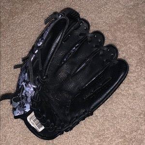 11 inch Adida softball/baseball glove